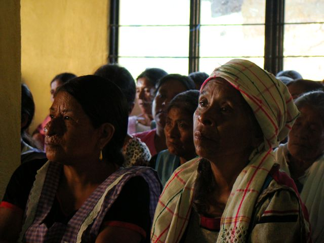 Women from Oaxaca mountains participate in community radio programs
