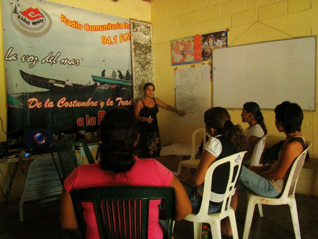 Palabra community radio program workshop
